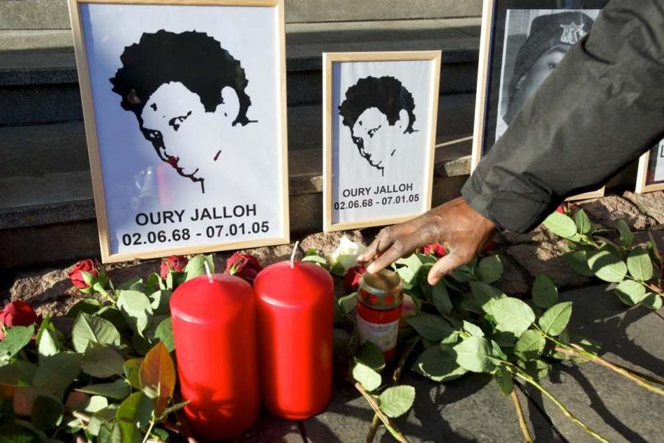 Oury Jalloh war vor 13 Jahren in einer Dessauer Polizeizelle unter mysteriösen Umständen ums Leben gekommen. Bis heute fordern Kritiker eine lückenlose Aufklärung des Falls.