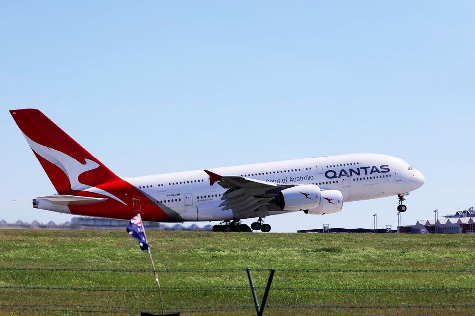 Mit über einer Stunde Verspätung startete der Airbus A380 gegen 14.15 Uhr.