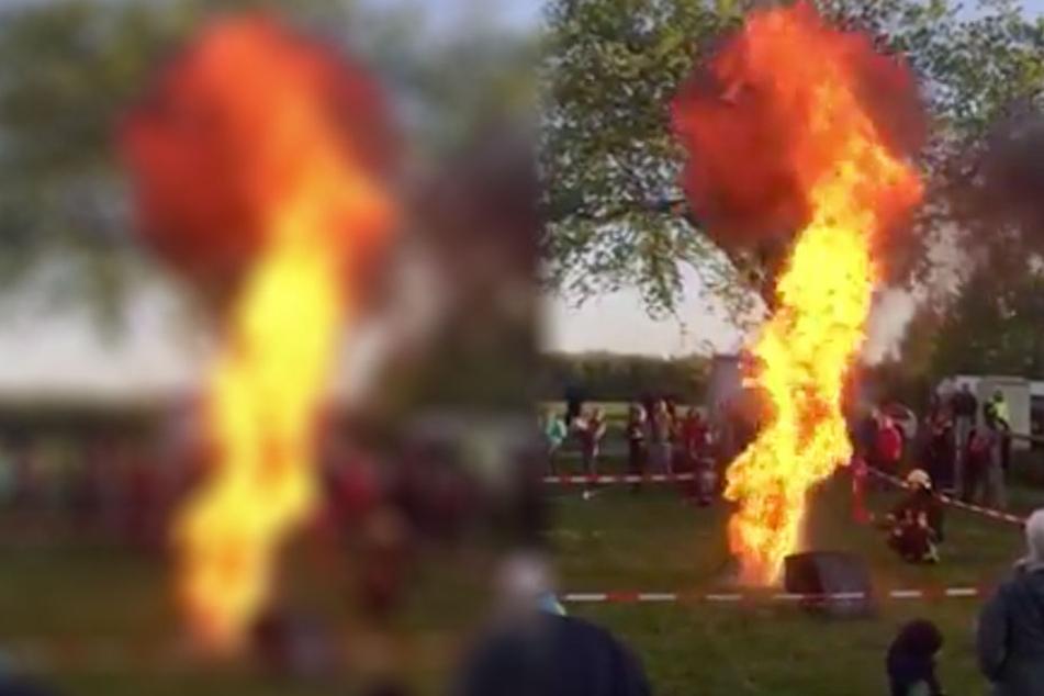 Diese Stichflamme entsteht, wenn man versucht, brennendes Fett mit Wasser zu löschen.