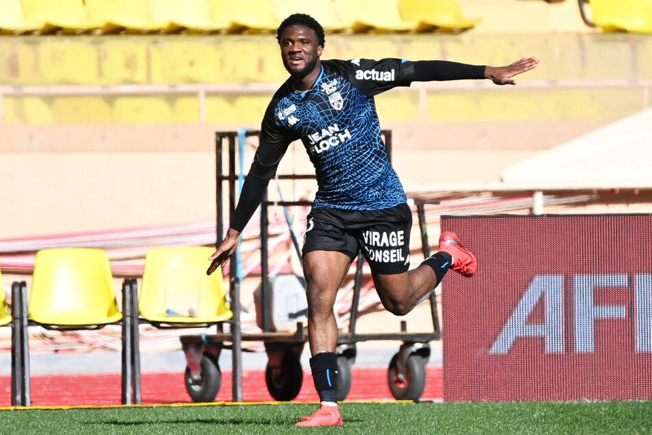 """Terem Moffi (21) ist im Angriff die Lebensversicherung des FC Lorient. Ohne seine elf Tore stünden die """"Seehechte"""" wohl auf einem Abstiegsplatz."""