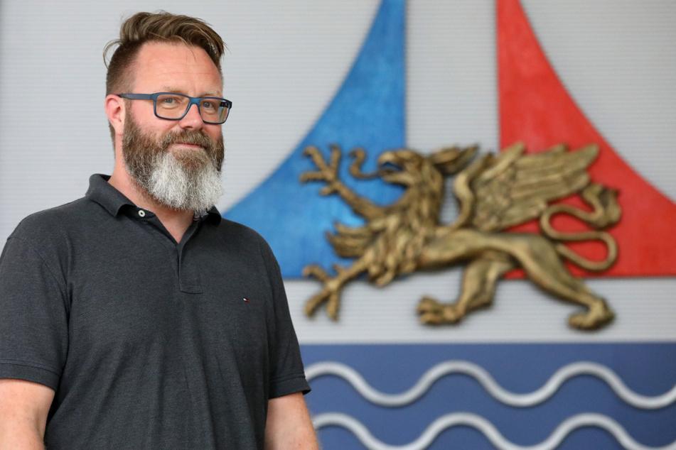 Rostocks Oberbürgermeister Claus Ruhe Madsen (48, parteilos) konnte Maßnahmen lockern. (Archivbild)