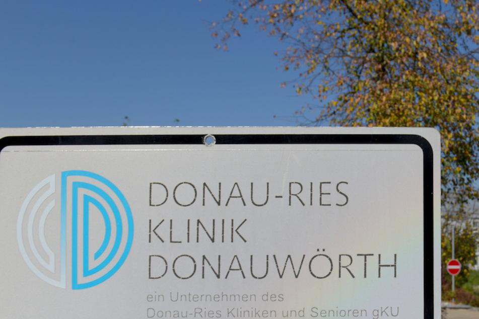 In mehr als 50 Fällen soll an der Donau-Ries Klinik ein Arzt bei Operationen Patienten mit Hepatitis C infiziert haben.