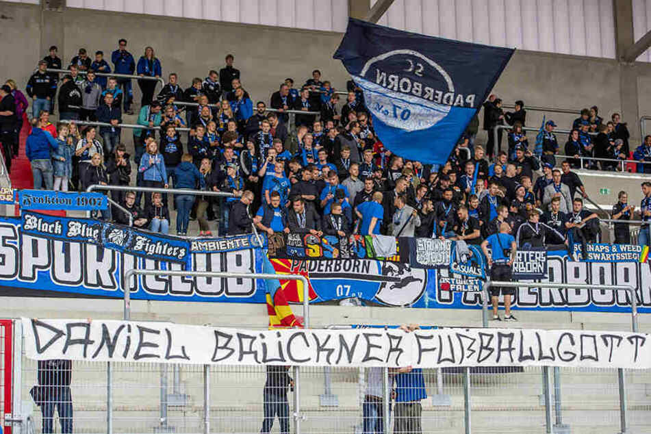 Die mitgereisten Paderborner-Fans hatten in Erfurt allen Grund zum Jubeln.