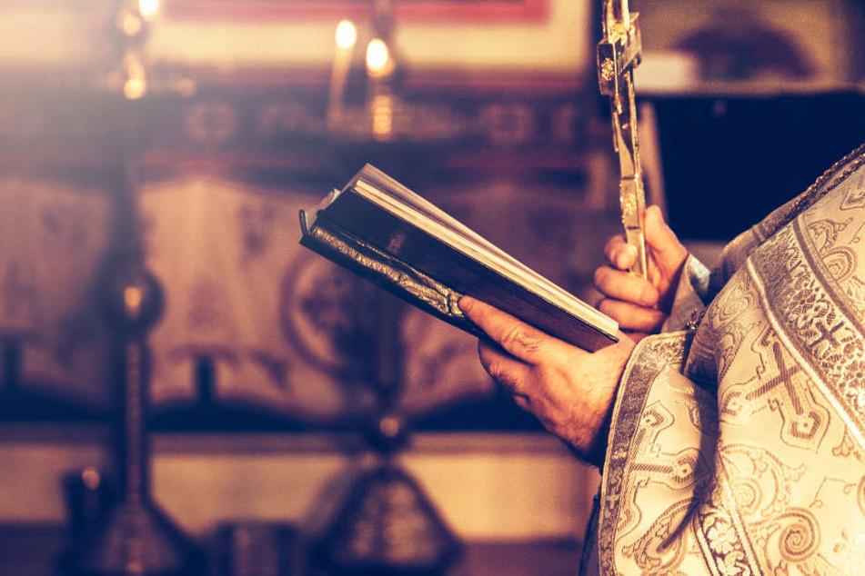 Katholischer Diakon soll junges Mädchen (15) vergewaltigt haben