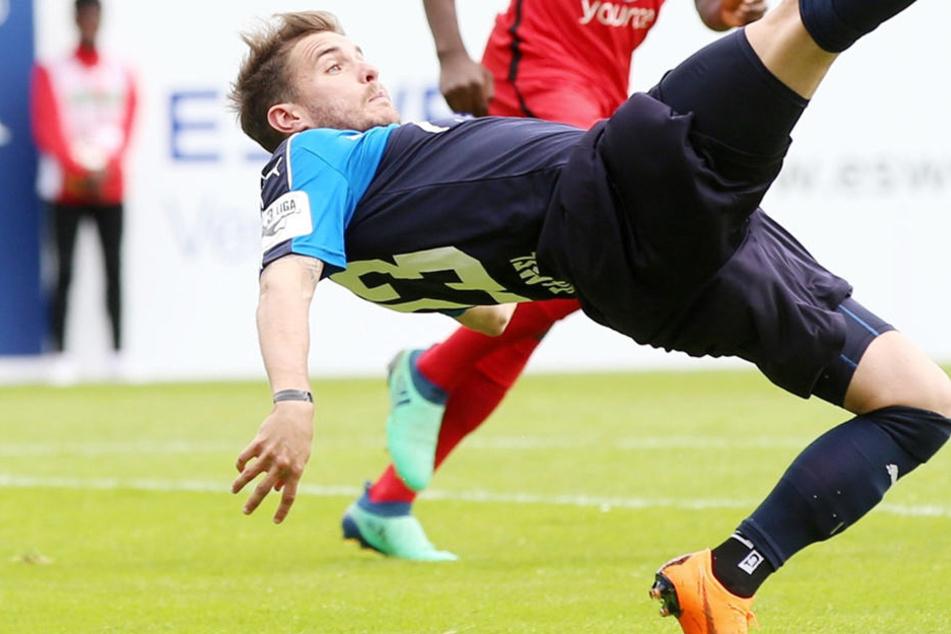Akrobatische Aktion von Daniel Gremsl. Zieht es den Österreicher schon im Winter zurück in die Heimat?