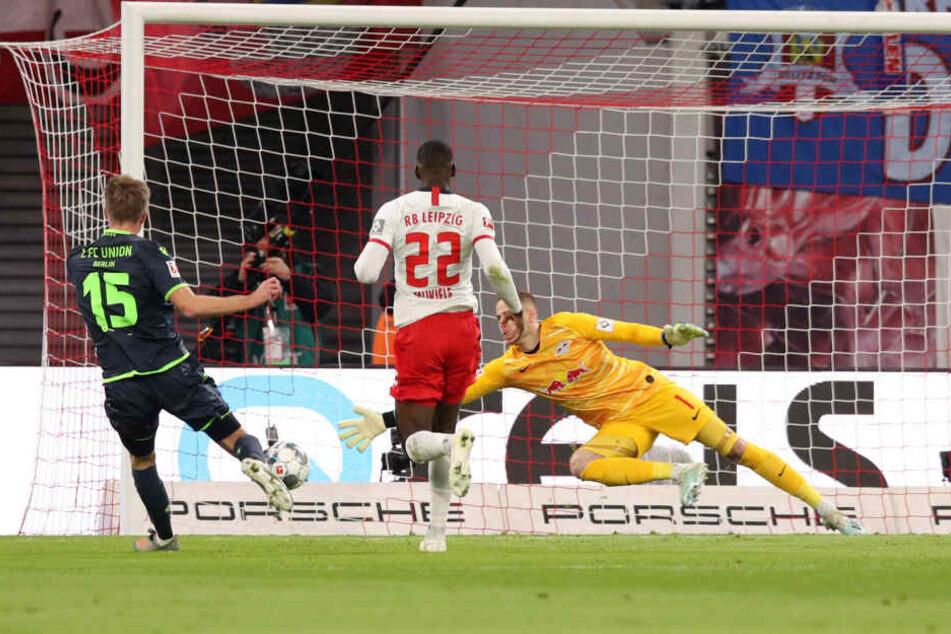 Die einzig gute Torchance in der ersten Halbzeit nutzte Marius Bülter (l.) in der 10. Minute zur 1:0-Halbzeitführung für Union.