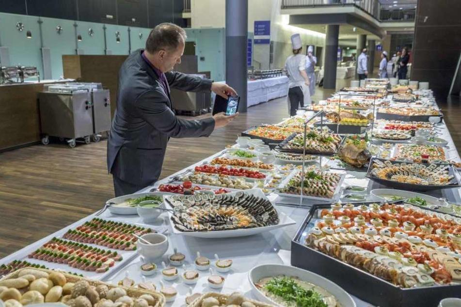 Die geladenen Gäste standen nicht nur sportlich vor der Qual der Wahl - auch die kulinarische dürfte nicht leicht gefallen sein.