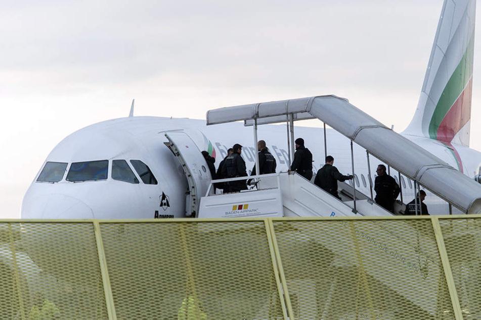 Muss Luan Zejneli bis zum Donnerstag tatsächlich das Land verlassen? (Symbolbild)