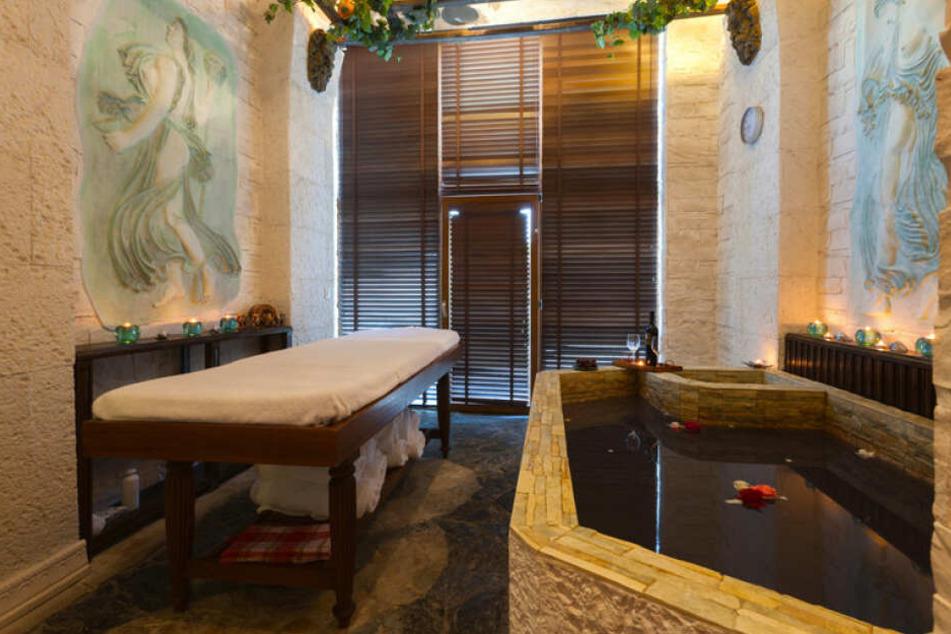Wellness vom Feinsten! Badet doch mal in einer Badewanne, gefüllt mit Rotwein. ;-)