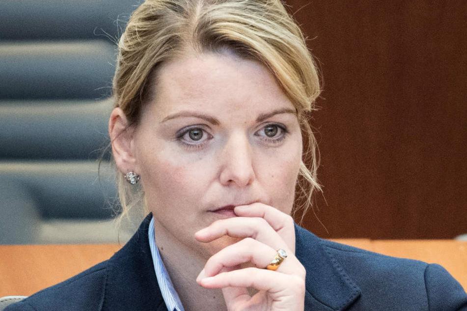 Christina Schulze Föcking (41) war am 15.05.18 als NRW-Agrarministerin zurückgetreten.