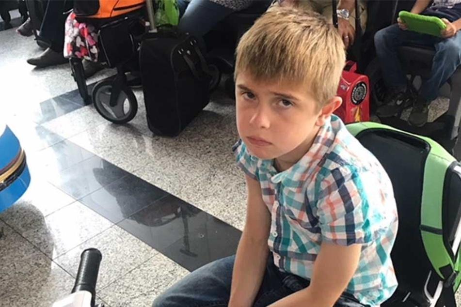 Für den kleinen Jack war die Situation am Flughafen unerträglich.