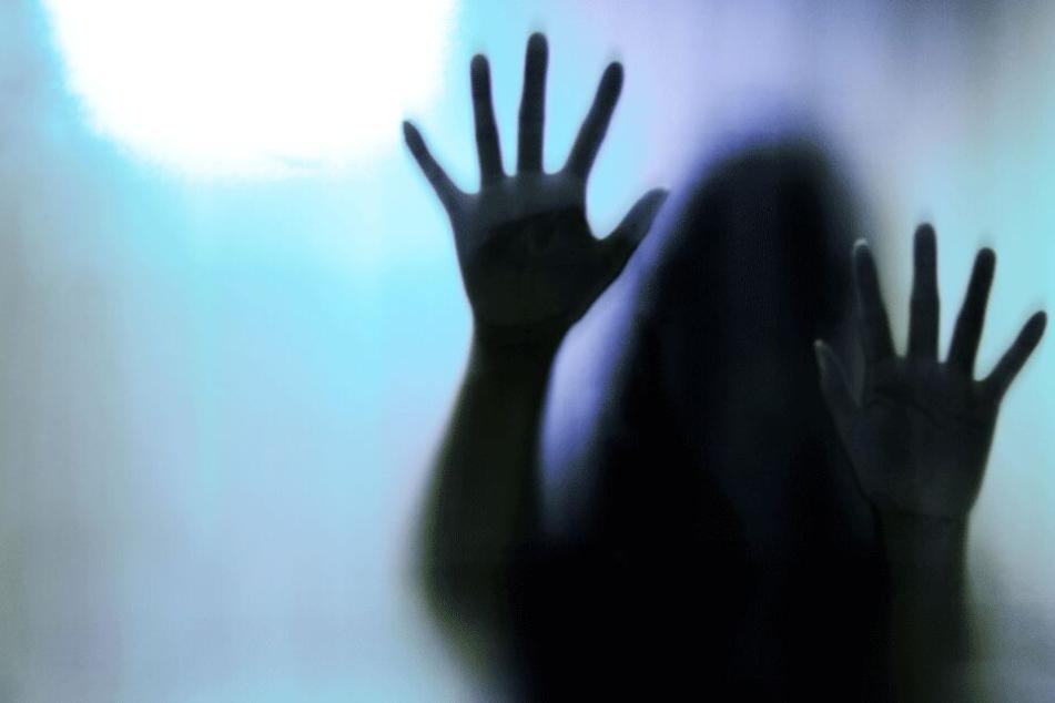 Inzest-Horror: Mädchen (†12) wird von Brüdern und Onkel gemeinsam vergewaltigt und brutal ermordet