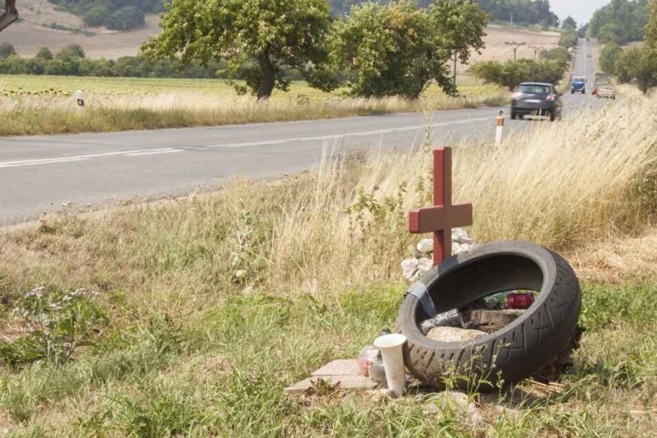 Biker (30) stirbt, weil Auto ihm die Vorfahrt nahm