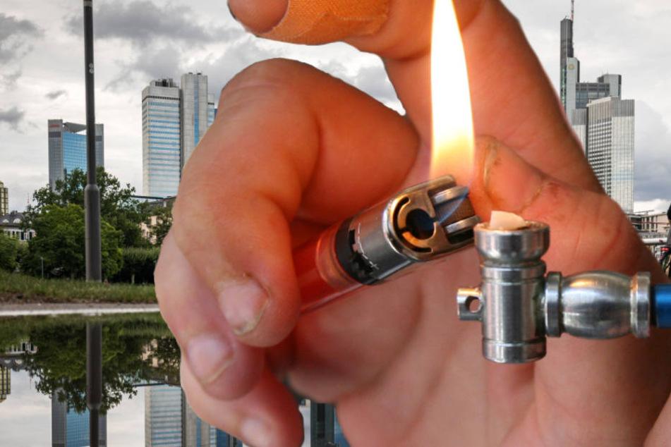 Crack-Kristalle werden normalerweise von den Konsumenten in Pfeifen geraucht..