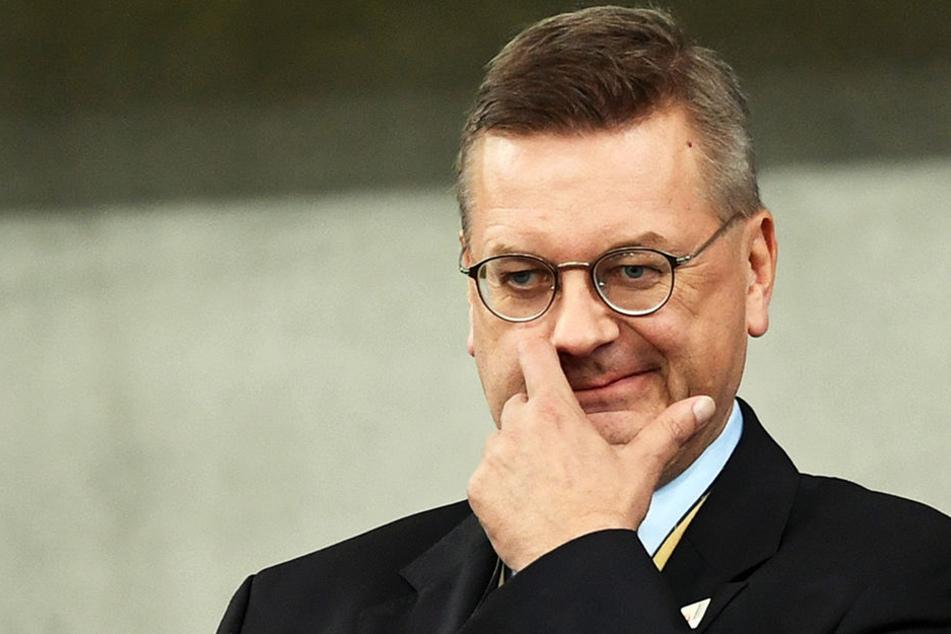 Für DFB-Präsident Reinhard Grindel wäre es ein großer Erfolg, den EM-2024-Zuschlag zu bekommen.