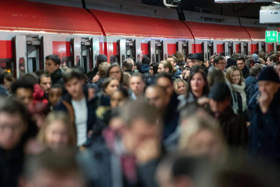 Im Südwesten kamen weniger als 93 Prozent der Regiozüge pünktlich an. (Symbolbild)