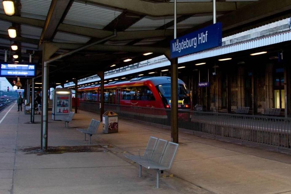 Ein Fünfjähriger wurde versehentlich am Magdeburger Hauptbahnhof zurückgelassen.