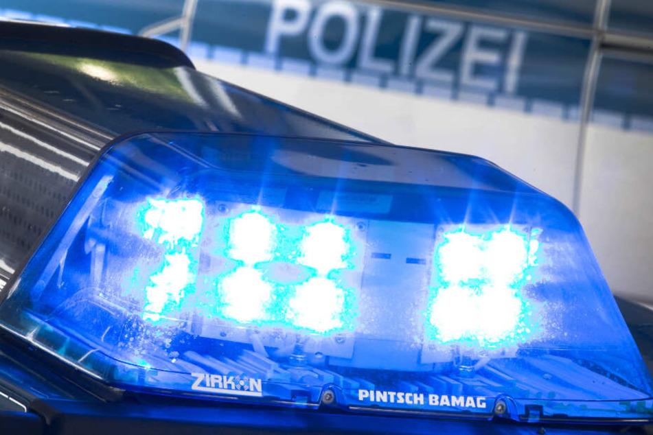 Laut Polizei konnte der Smart-Fahrer den Zusammenstoß nicht mehr verhindern. (Symbolbild)