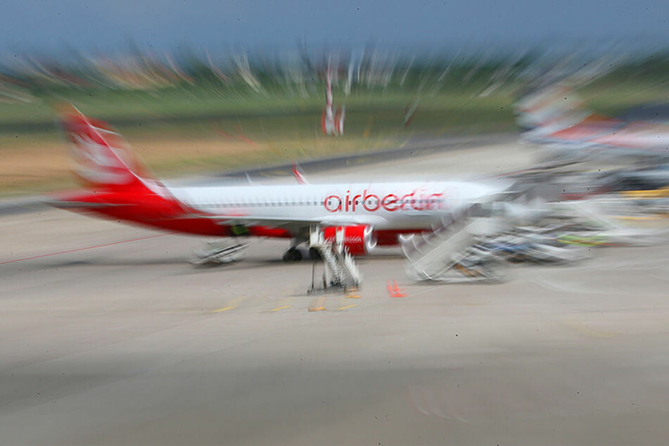 Die Flugzeuge werden übernommen, aber auch die Mitarbeiter?
