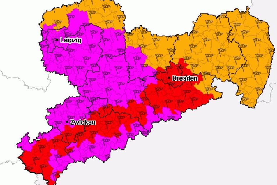 In einigen Teilen Sachsens herrscht am Freitag höchste Warnstufe (violett).