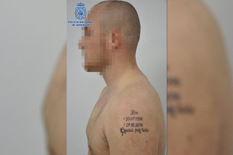 Dieses Tattoo lies sich der 22-Jährige stechen.