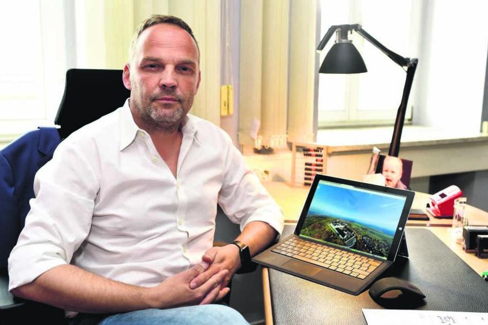 Augustusburgs Bürgermeister Dirk Neubauer (48, SPD) bezeichnet die Aktion während des Biker-Treffens als geschmacklos.
