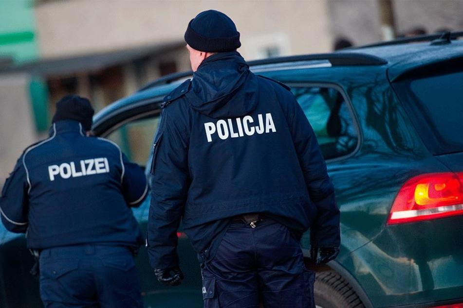 Polnische und deutsche Polizisten gingen gemeinsam gegen die Automafia vor.