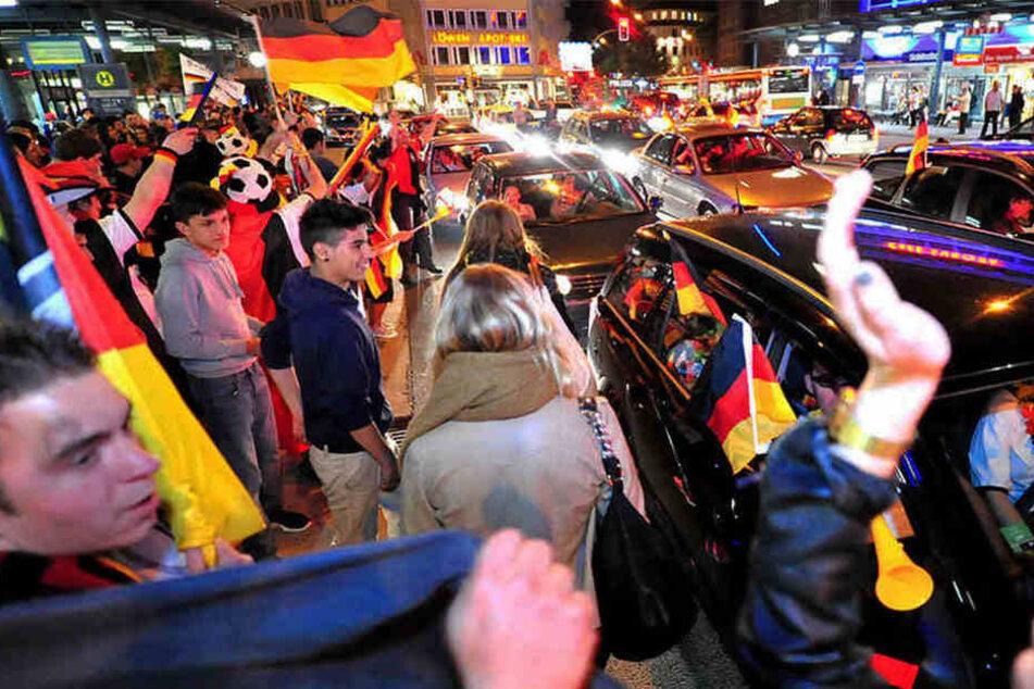 Auch nach dem Public Viewing herrscht Top Stimmung in der Bielefelder City