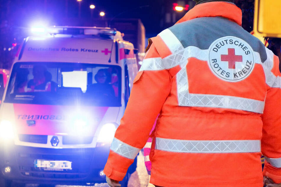 Der 21-Jährige wurde mit einem Rettungswagen in eine Klinik gebracht (Symbolbild).