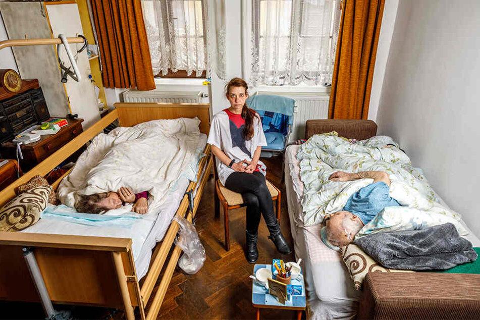 Madeleine Petereit (48) pflegte Johanna (74) und Peter Thomas (76), der vergangenen Sonnabend starb.