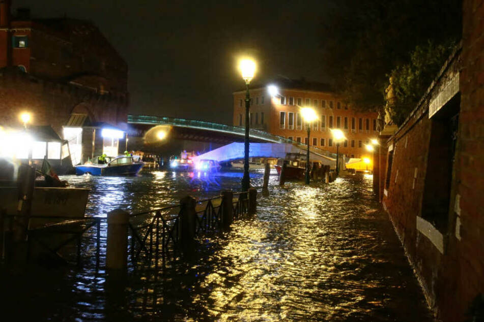 Land unter bei Hochwasser in Venedig: Regierung ruft Notstand aus