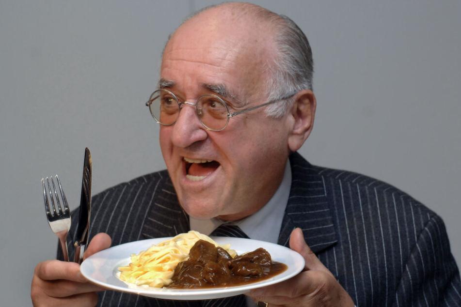 Essen und Kochen spielten eine wichtige Rolle im Leben des Alfred Biolek (Archivbild).
