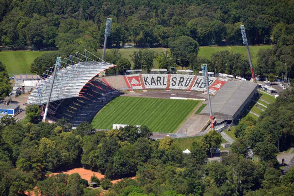 Nach Spiel Karlsruhe-Zwickau: Fan stirbt im Krankenhaus