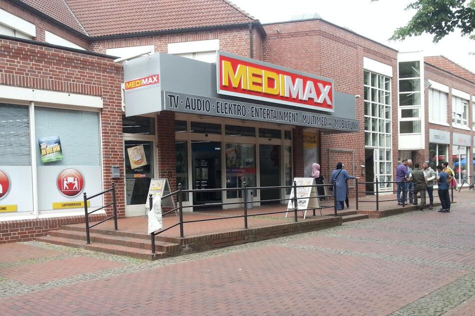 Dieser MEDIMAX verkauft trotz Lockdown weiter! Diese Idee macht's möglich