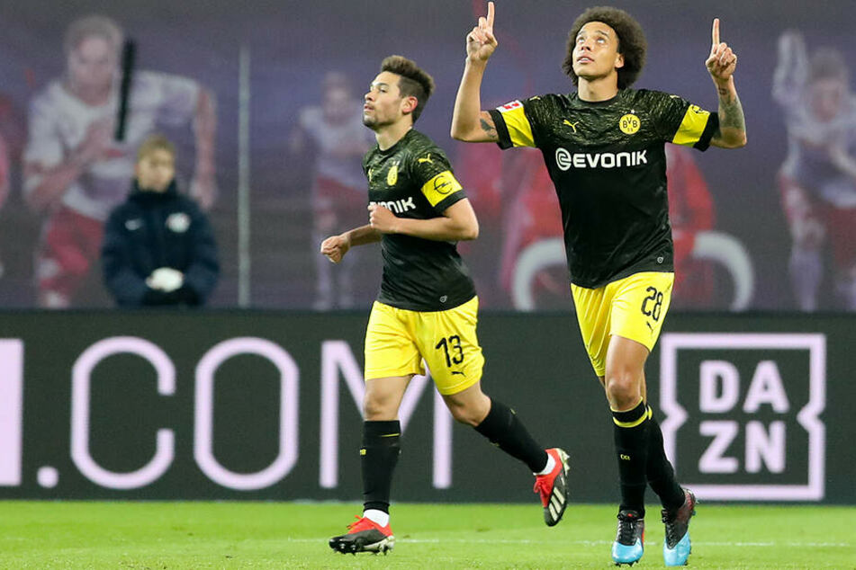 BVB-Spieler Axel Witsel (r.) bejubelt sein spielentscheidendes Tor zum 1:0.