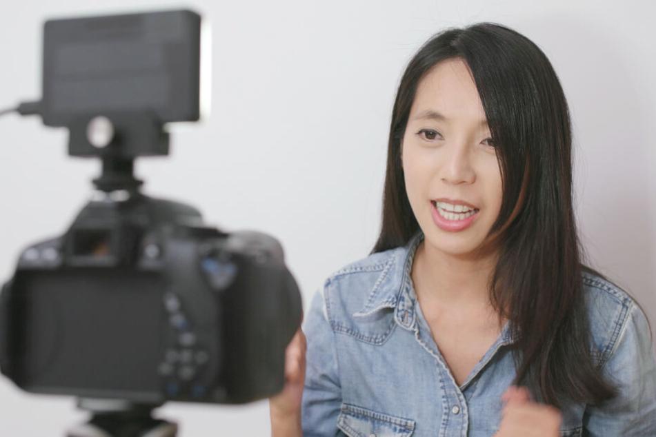 Der Mann verkaufte seine eigene Tochter, um chinesische Models und Influencerinnen für erotische Vlogs im Internet bezahlen zu können. (Symbolbild)