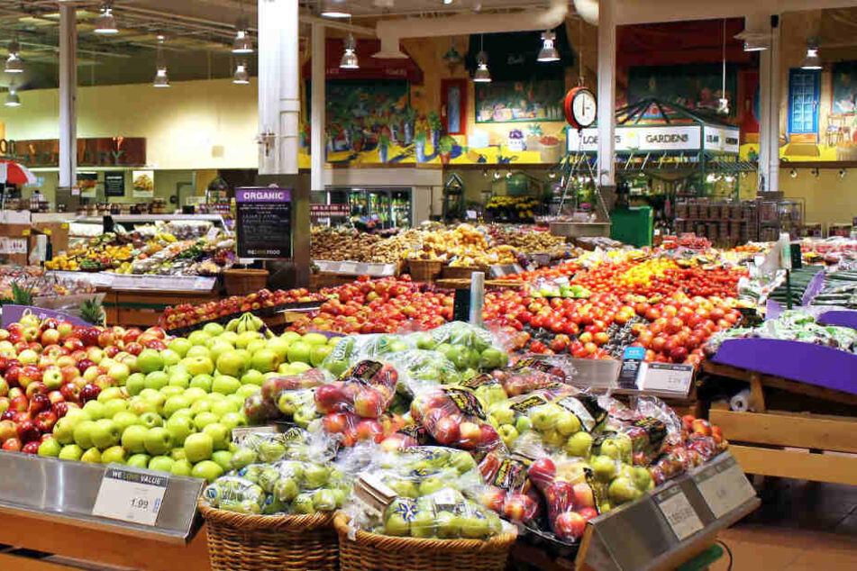 Die Supermarktkassiererin attackierte der Mann. (Symbolbild)