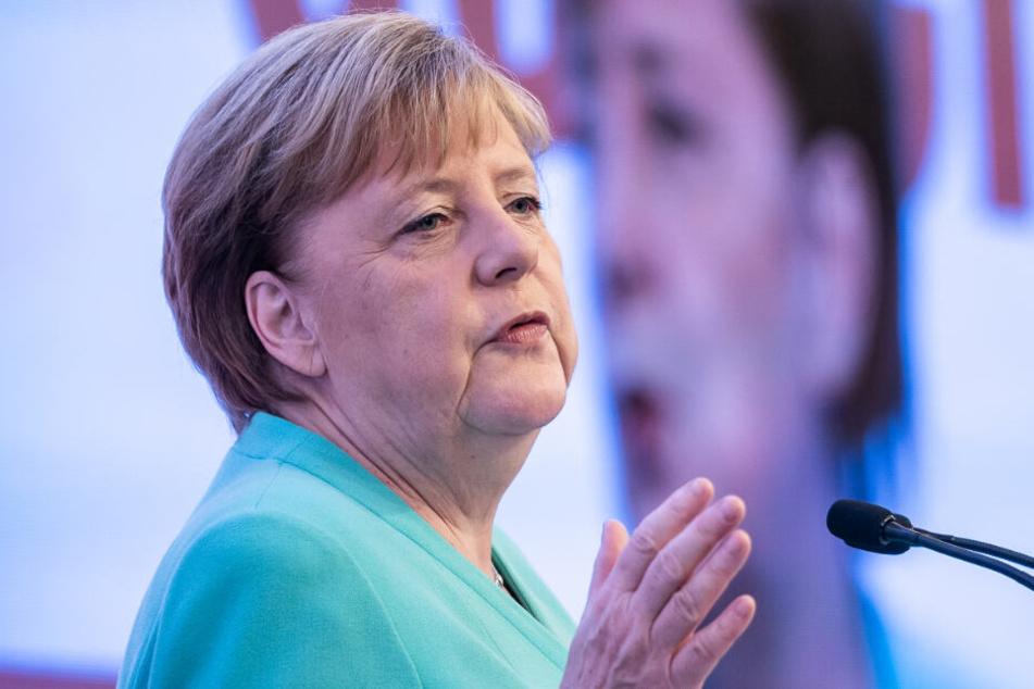 Merkel redet Ostdeutschen ins Gewissen: Frust ist kein Grund für Hass und Gewalt