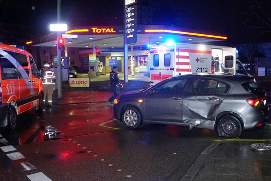 Zwei Schwerverletzte nach Crash mit Rettungswagen