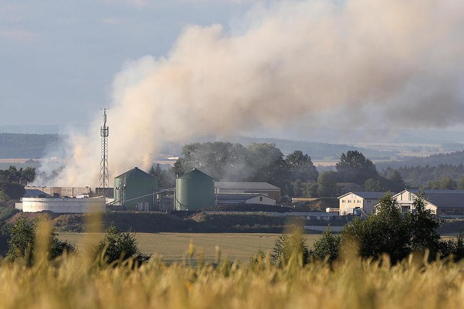 Riesige Rauchwolke über Dorf: Was brennt hier?