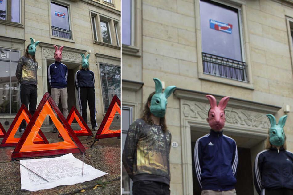 Als Hasken maskiert zogen die Studenten vor das AfD-Büro.