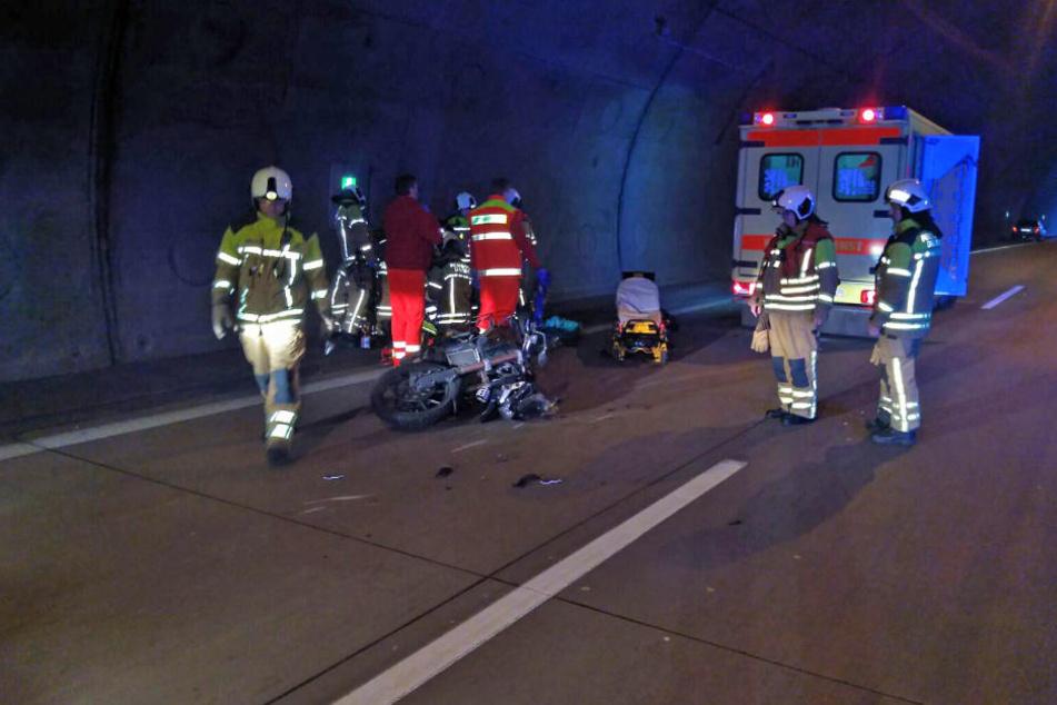 Der Motorradfahrer wurde vor Ort versorgt.