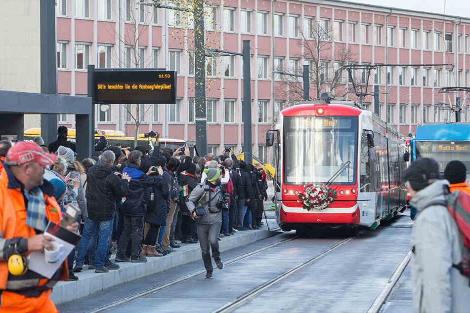Besonders auf der neuen Uni-Linie kam es zu Verkehrschaos.