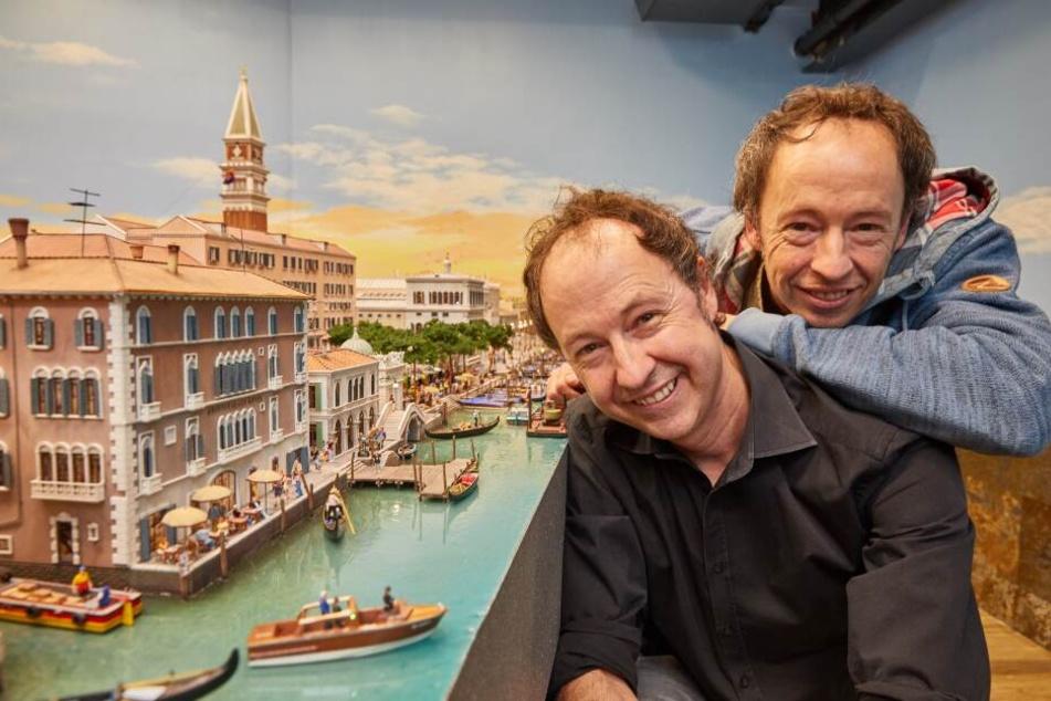 Die Unternehmer Frederik (l.) und Gerrit Braun erlebten am Flughafen eine böse Überraschung.