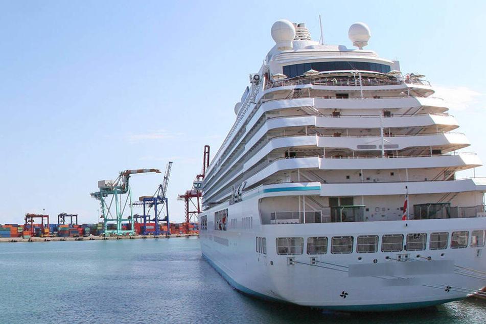 Das Kreuzfahrtschiff legte im Hafen von Valencia an. (Symbolbild)