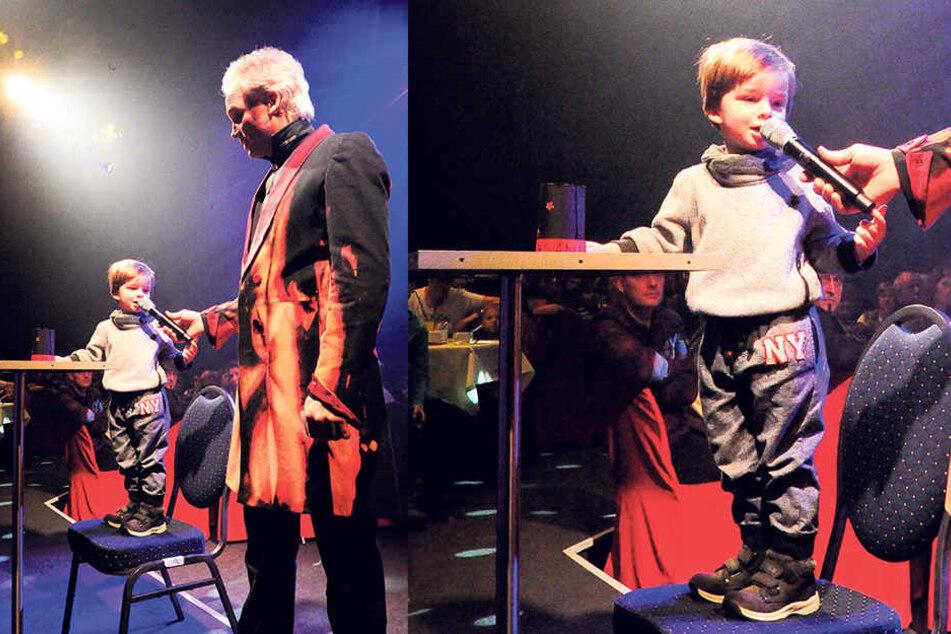 Magier André Sarrasani (45) übergibt beim Sonntagsbrunch das Mikro an seinen kleinen Zauberlehrling und Sohn Noah (3).