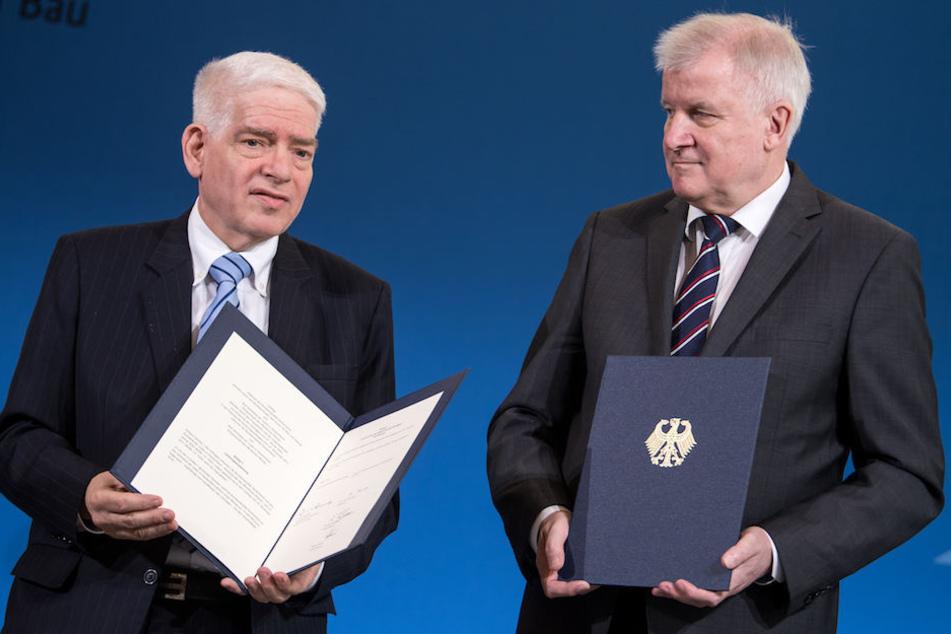 ZdJ-Präsident Josef Schuster (64) mit Innenminister Horst Seehofer (69, CSU) in Berlin.