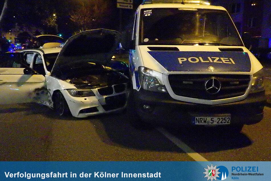 Mit einem Unfall endete die Verfolgungsfahrt eines Fahranfängers (18) durch Köln.