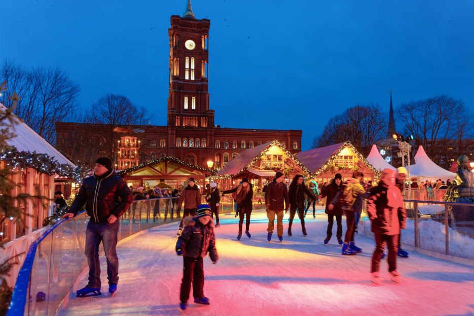 Weihnachtsmärkte in Berlin mit Eisbahn