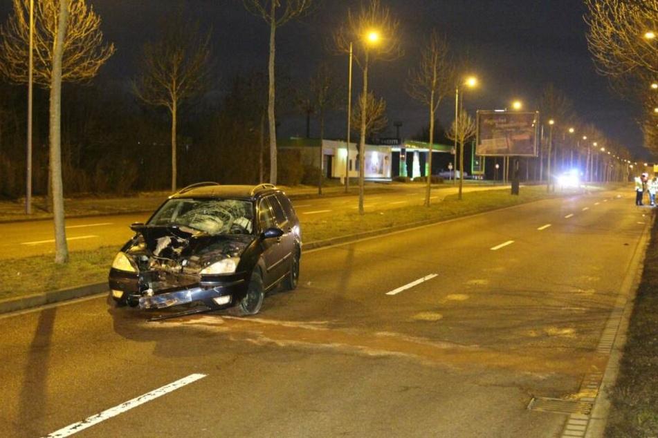 Schreckliches Bild in Leipzig-Paunsdorf: In der Nacht zum 19. Januar 2019 erfasste der betrunkene Fahrer (34) dieses Ford Focus die 13-jährige Alina.